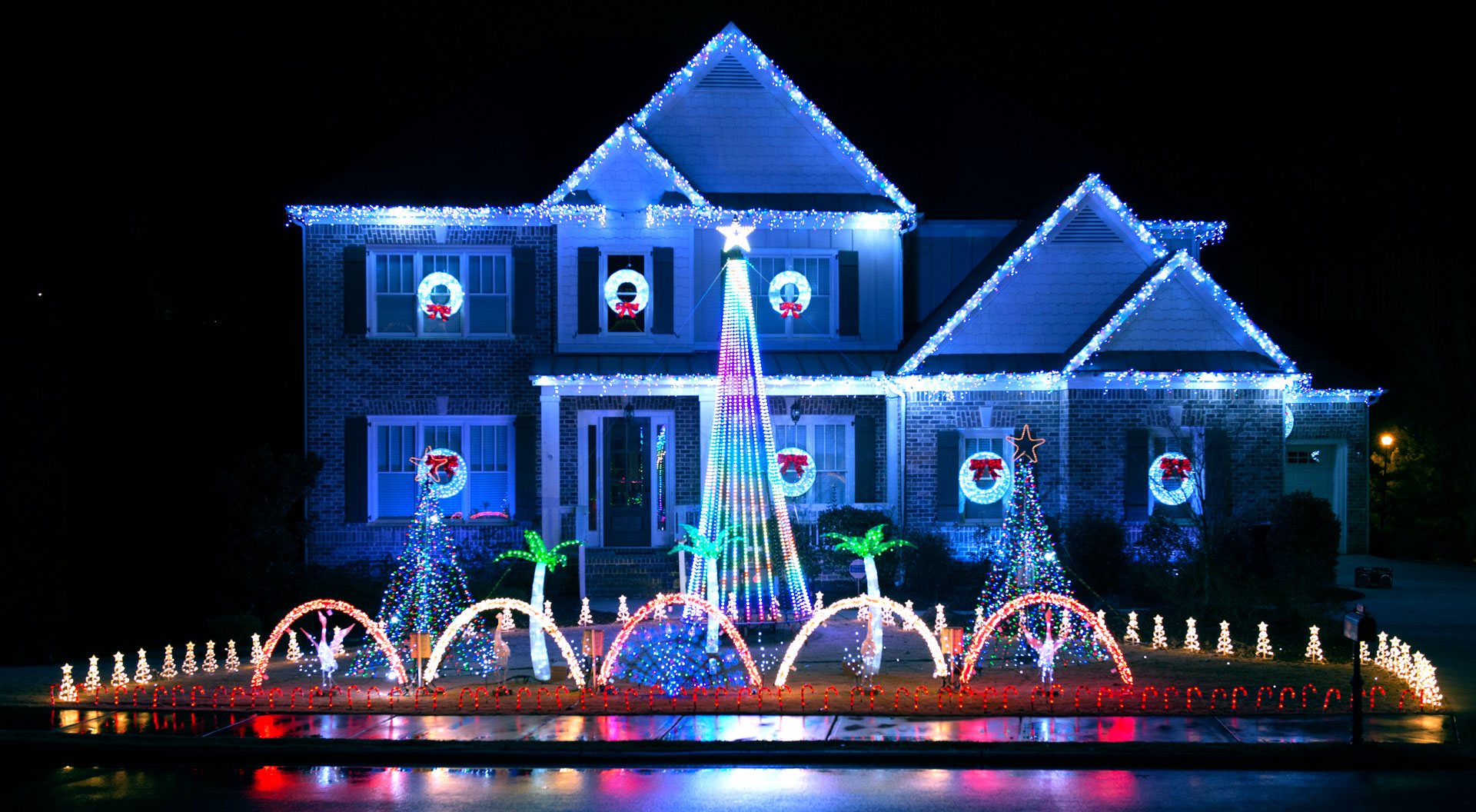 5 Local Holiday Light Shows ~ 52 Forsyth
